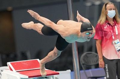 Йосиф Миладинов полита към олимпийския басейн в Токио и към сбъдването на мечтата си - класиране на финал на олимпийски игри. СНИМКИ: ЛЮБОМИР АСЕНОВ, LAP.BG