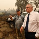 Скот Морисън призна, че не се справя с огнената стихия