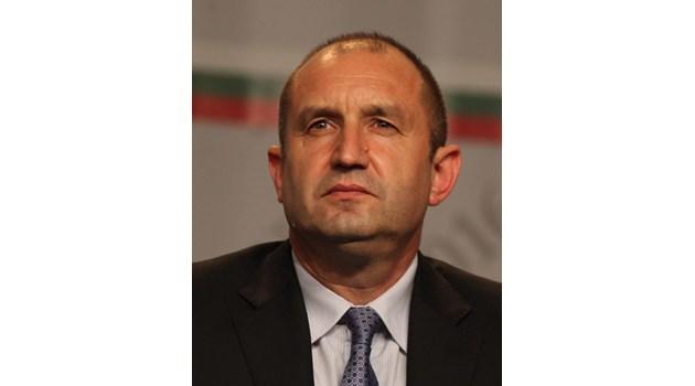 Президентът Радев изчезна за 7 дни, днес връчва орден