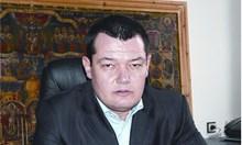 Митнически шеф донасял за Карамански