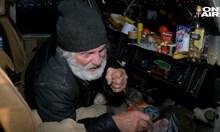 Бедстващият у нас холандски боксьор чака паспорт, приютен на село от сънародници