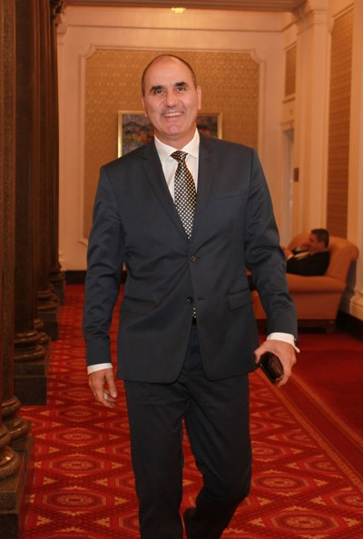 Цветанов  излиза от парламента, остава в ГЕРБ? Той мълчи (Обзор)