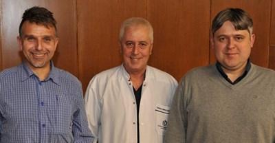 """Боян Петров, проф. Николай Петров и Андрей Ковачев (от ляво надясно) след  представянето на книгата """"Първите седем"""""""