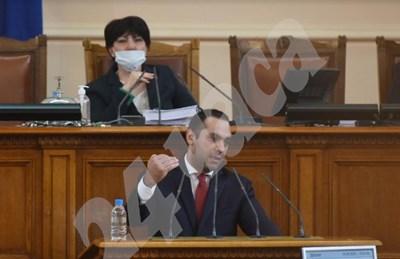 Министърът на икономиката Емил Караниколов СНИМКИ: Велислав Николов