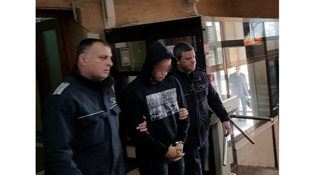 Ученикът, обвинен в опит за убийство на гард пред варненска дискотека, остава в ареста
