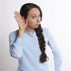Нелекуваното увреждане на слуха може да има опустошително въздействие върху способността на хората да общуват, да учат и да осигуряват препитанието си.
