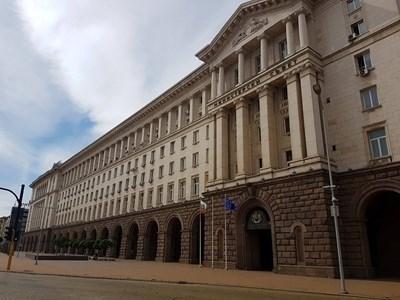 Кабинетът предлага на Народното събрание  да удължи извънредното положение до 13 май