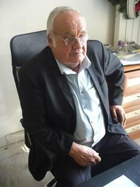Собственикът на погребална агенция Бисер Тодоров разказва как Руси Русев се събудил в ръцете му.