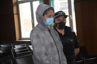 Постоянен арест за жената, убила с нож в сърцето мъжа си в Смолян
