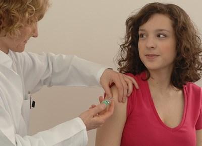 Ваксината срещу папиломните вируси може да е подходяща за мъже и жени от всички възрасти