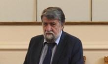 """Вежди Рашидов иска Слави Трифонов и всички влиятелни хора да си декларират имотите. """"Той е с 15 000 лв. заплата, докато един депутат получава 4500 лв."""", казва ексминистърът."""
