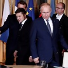 """Кадър от срещата на """"нормандсакта четворка""""  в Париж. Руският президент Владимир Путин е в най-преден план."""