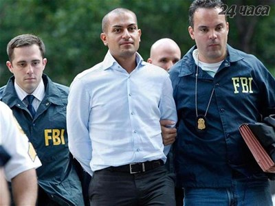 Агенти на ФБР водят Цолов след ареста му в Ню Йорк. СНИМКА: РОЙТЕРС