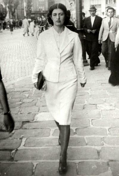 Бойка Вапцарова, която поетът нарича Бялата врана.