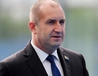 Румен Радев се среща в Пловдив с млади медици