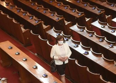 Корнелия Нинова в парламента СНИМКА: Велислав Николов
