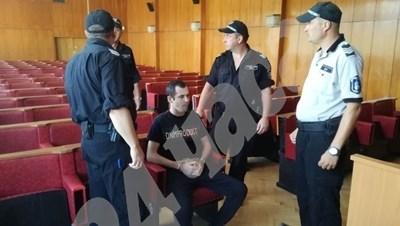 Мехмед Хасан в съда СНИМКА: Авторът СНИМКА: 24 часа