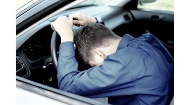 Пиян мъж открадна кола на 19-годишен в Казанлъшко