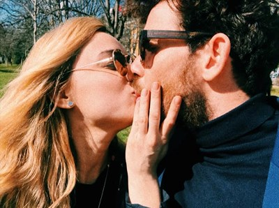 Снимката, с която двойката отрече за побоя във фейсбук.