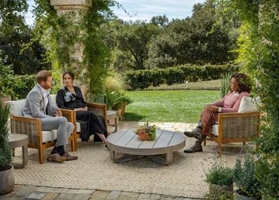 Хари и Меган дават интервю на Опра. На снимката се вижда наедрелият корем на Меган. Точно на 14 февруари херцозите на Съсекс обявиха, че очакват второ дете