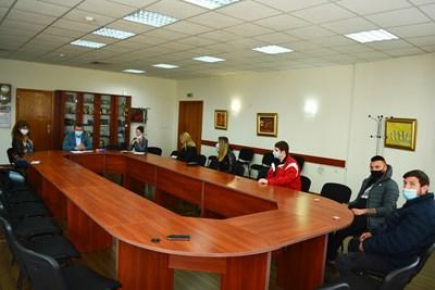 Младежите получиха помощ от общината при спазване на мерките срещу COVID