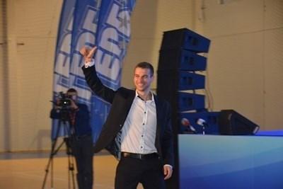 Депутатът от ГЕРБ и международен футболен съдия Стефан Апостолов