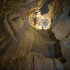 """Колкина дупка надмина предишния първенец за най-дълбока пещера в българия Райчова дупка и има шансове да стане и най-дългата у нас. СНИМКА: Милен Марков за сайта """"Под ръбъ"""""""