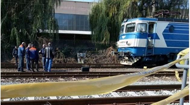 """""""Искам да умра"""", повтаря пред лекари момичето, което се хвърли под влака. Семейството й я посети за първи път след 12 години!"""