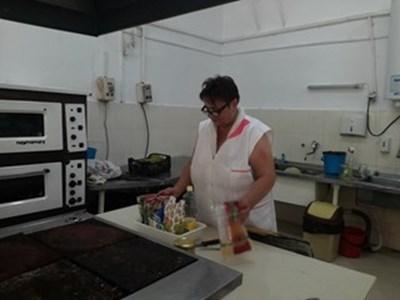 Нападнатата готвачка Валентина Голчева СНИМКА: Авторката