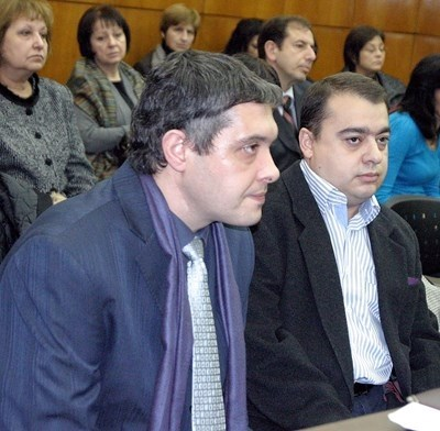 Д-р Борис Кузманов колегата му д-р Христо Кунчев СНИМКА: Архив