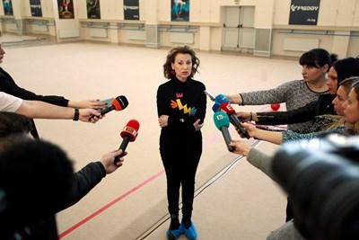 """Илияна Раева дава интервю след откритото само за медии контролно състезание в зала """"Раковски"""".  СНИМКИ: ВЕЛИСЛАВ НИКОЛОВ"""