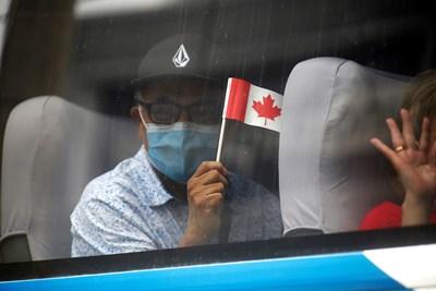 """Канадците """"перат пари"""", за да се преборят с коронавируса"""