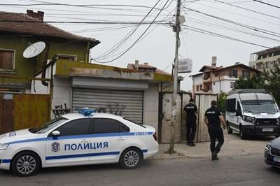 Двама души бяха задържани като извършител и помагач на убийството на Станка Марангозова. СНИМКА: ВЕЛИСЛАВ НИКОЛОВ