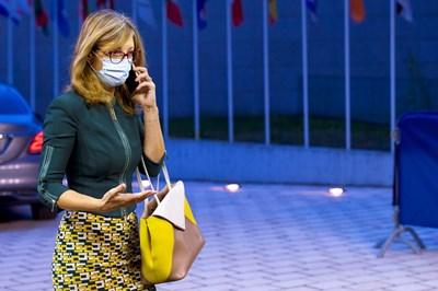 Екатерина Захариева е спазвала дистанция през цялото време на съвета, като за събитието в Люксембург българската външна министърка била по-строга дори от срещите в Брюксел.   СНИМКА: РОЙТЕРС
