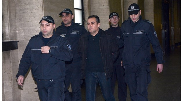 Съдия, оправдан за подкуп, се връща на работа