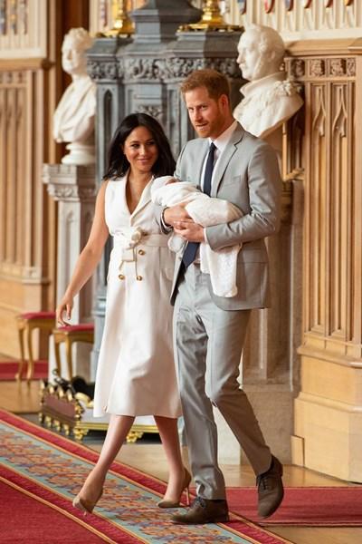 Меган Маркъл и принц Хари показаха новородения си син Арчи СНИМКА: РОЙТЕРС