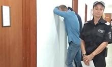 Обрат! Върнаха в ареста бивш футболист и брат му, разследвани за наркоплантация (Снимки)