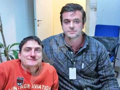 Пламен Гетов - вляво, и Орлин Дотин в офиса на Европарламента в София СНИМКА: 24 часа
