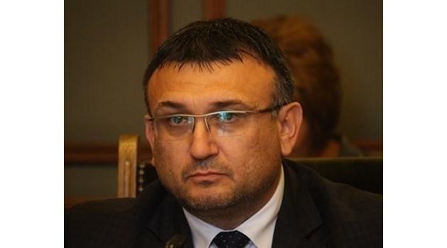Младен Маринов: Не се налага повишаване на мерките за сигурност след терористичния акт в Страсбург