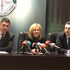 Шефът на полицията Христо Терзийски (от ляво на дясно), Сийка Милева, говорител на главния прокурор, и окръжният прокурор на Бургас Георги Чинев дадоха подробности за задържането на украинеца.