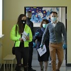 Носенето на маски в училищните коридори вероятно ще бъде разписано в протоколите.