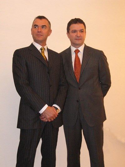 Пламен и Атанас Бобокови от времето, когато нямаха проблеми с правосъдието.