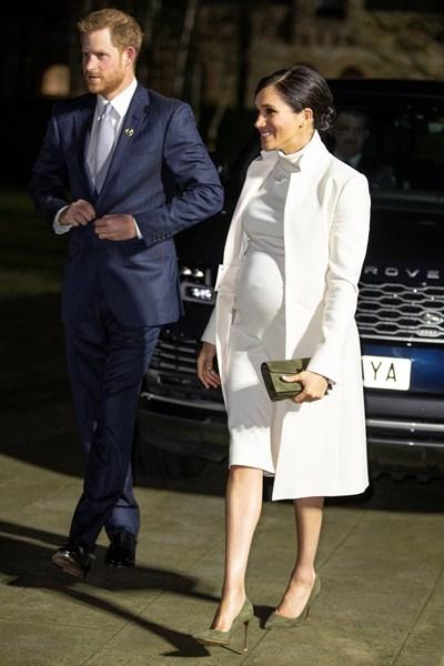 Принц Хари заедно с бременната Меган Маркъл СНИМКА: РОЙТЕРС
