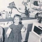 """""""Очевидно нищо не се е променило... Все още щастлива, все още в кухнята"""", написа Божана Кацарова."""