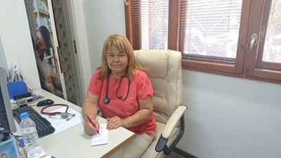 Д-р Надка Карафезиева, общопрактикуващ лекар, педиатър и хомеопат в гр. Пловдив с над 30-годишен опит