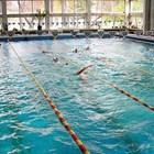 """Басейн """"Младост"""" вече е недостатъчен за желаещите да тренират плуване."""