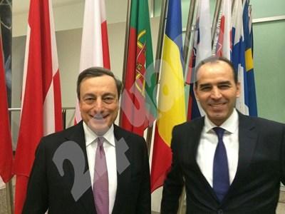В края на втория мандат Иван Искров бе на банкова среща с шефа на ЕЦБ Марио Драги СНИМКА: 24 часа