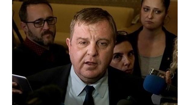 """Каракачанов: Партиите от """"малката коалиция"""" могат да имат индивидуални споразумения с ГЕРБ"""