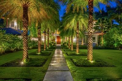 Две къщи се продават за $71,5 милиона