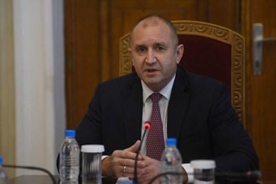 """Не коалиция, а подкрепа """"за политики и механизми"""" в кабинет на приемливия компромис (Обзор)"""